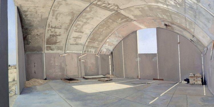 Concrete canvas building